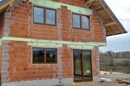 okna-inles-rjava